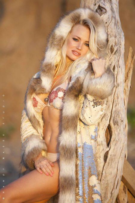 Kleopatra Golden Fur Coat