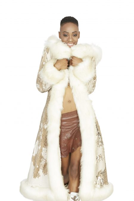 Cleopatra golden fur coat